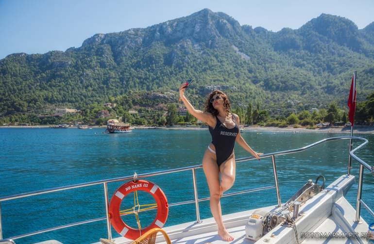 photo session on a yacht in Marmaris